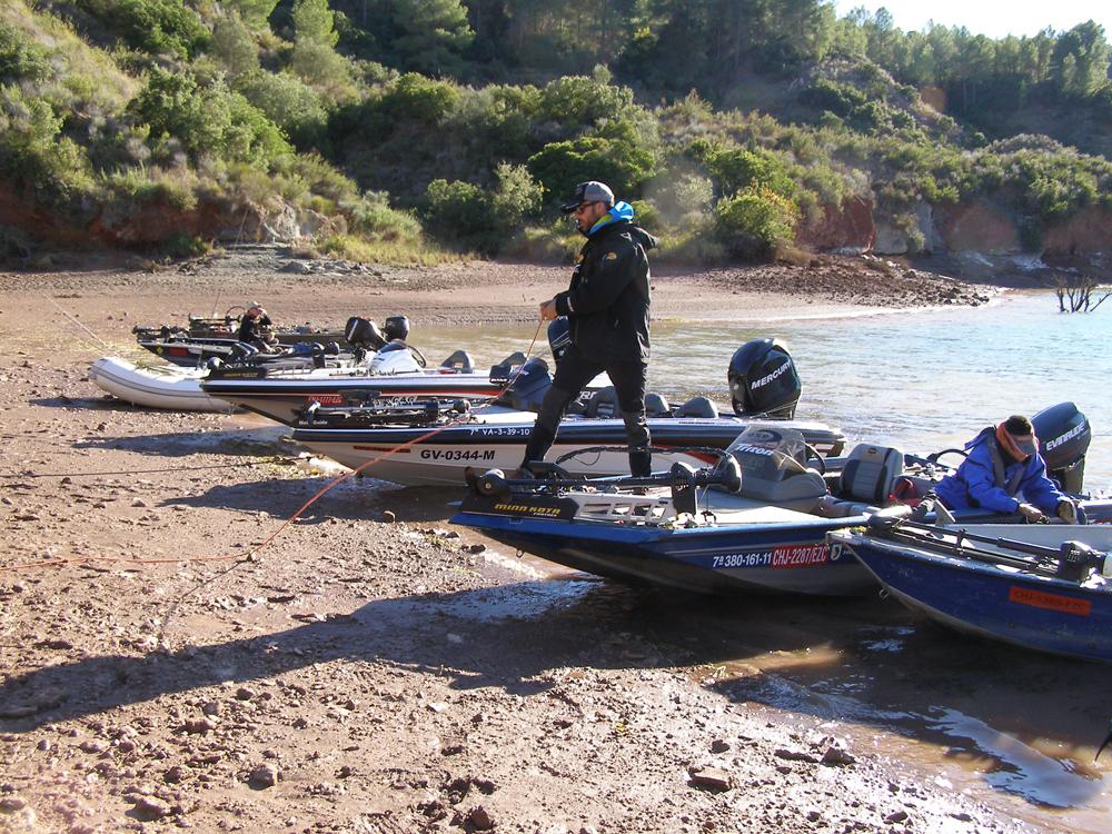 bass-boats-en Cortes-de-Pallas