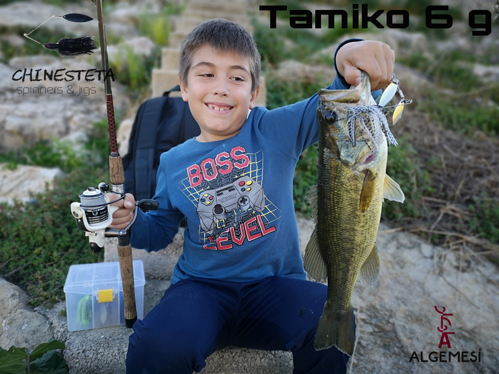 Bass spinnerbait tamiko 6g